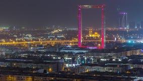 Рамка Дубай с мечетью Zabeel Masjid осветила вечером timelapse видеоматериал