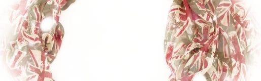 Рамка знамени декоративная задрапировывая ткани Диаграмма шарфа ` s женщин красная великобританский флаг Стоковая Фотография RF
