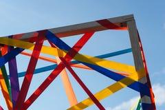 Рамка пестротканых лент против голубого неба Стоковое Изображение