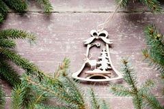 Рамка сделанная от зеленых украшений ветви и рождества ели Стоковые Фото