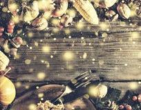 Рамка с сезонными ингридиентами в официальный праздник в США в память первых колонистов Массачусетса голубое волшебство рамки рож Стоковое Изображение