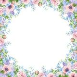 Рамка с цветками пинка, голубых и пурпурных r стоковая фотография