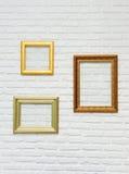 Рамка фото на кирпичной стене стоковые фото
