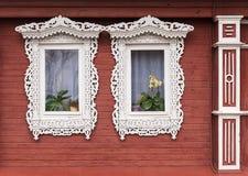 Рамки высекаенные русским деревянных домов Стоковое фото RF
