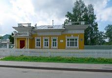 Рамки высекаенные русским деревянных домов Стоковые Изображения RF