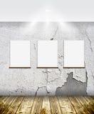 Рамки на кирпичной стене стоковые фото