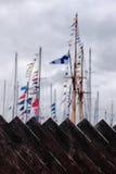 Рангоуты гавани яхты ограждают доски Стоковое фото RF