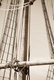 Рангоут, такелажирование и веревочки старого парусника Стоковая Фотография