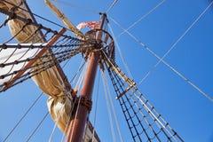 Рангоут Mainsail испанской реплики Nao de Santa Maria стоковое фото rf
