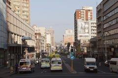 Рано утром взгляд западной улицы, Дурбана Южной Африки Стоковые Фото