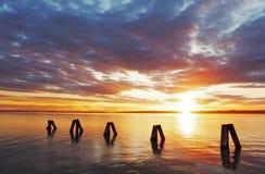 Рано утром восход солнца над морем стоковое фото rf