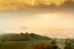 Рано утром в горы стоковая фотография rf