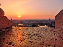 Рано утром над городом стоковые фотографии rf