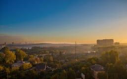 Рано утром на пригородах стоковое изображение rf