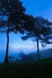 Рано утром на Mae животики укомплектовывают личным составом гору, Чиангмай, Таиланд Стоковое Фото