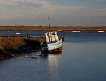 Рано утром, приливы вне, сцена гавани стоковые фотографии rf