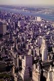 Раньше изображение 1962 Манхаттана смотря на Ист-Ривер Стоковые Изображения RF