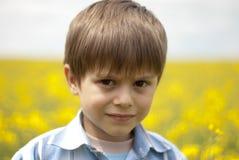 рапс поля ребенка Стоковое Изображение