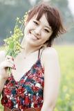 рапс девушки поля радостный Стоковые Фото