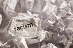 Расизм написанный бумагой Концепция старых и покинутых идеи или pract Стоковое Изображение