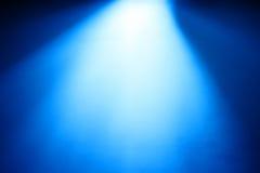 Раскосный голубой свет от верхней предпосылки bokeh Стоковые Изображения RF