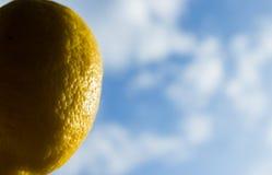 Раскрепощение фрукта и овоща которое мечтает небо стоковое фото rf