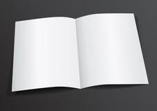 Раскройте белым рогульку A4-A5 сложенную пробелом для насмешки вверх - Vector Illustr Стоковые Фотографии RF