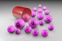 Раскройте капсулу с необходимыми пилюльками кофермента Q10 Пилюльки убихинона Витамин и минеральный комплекс жизнь принципиальной стоковая фотография