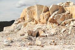 Раскройте карьер белого мрамора Стоковое Изображение RF