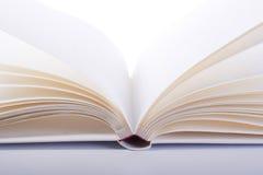 Раскройте книгу Стоковые Изображения RF