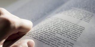 Раскройте книгу Стоковое фото RF