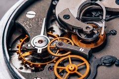 Раскройте конец-вверх секундомера часов механизма ретро стоковые фотографии rf