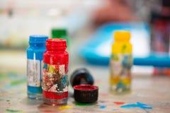 Раскройте контейнеры цвета для чертежей Стоковые Изображения