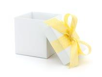 Раскройте коробку подарка стоковые фото