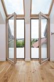 Раскройте окна балкона Стоковая Фотография