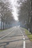Раскройте дорогу вне Uzes; Провансаль стоковое фото rf