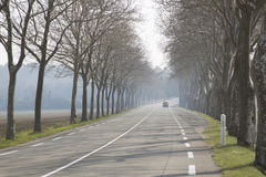Раскройте дорогу вне Uzes; Провансаль стоковое фото