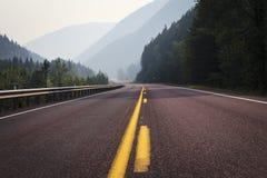 Раскройте дорогу в горы Монтаны Стоковая Фотография RF