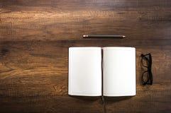 Раскройте пустую книгу дневника Стоковое Фото