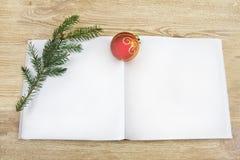 Раскройте пустую книгу Кристмас Стоковое Изображение RF