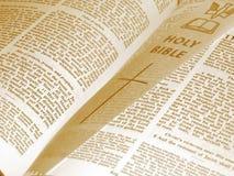 раскрытая библия Стоковое Изображение