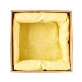 Раскрытая изолированная картонная коробка Стоковые Фотографии RF