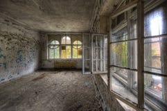 раскрытые окна стоковое изображение