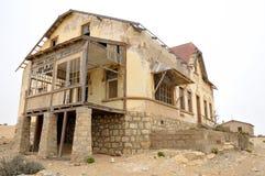 Распадаясь архитектура на Kolmanskop Стоковая Фотография