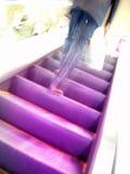 расплывчатое движение человека эскалатора стоковое изображение