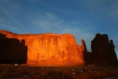 Располагаться лагерем в долине памятника стоковое фото rf