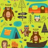 Располагаясь лагерем безшовная картина с животными на озере иллюстрация вектора