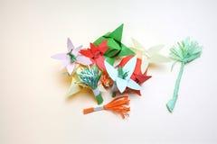 Расположение бумажных цветков стоковая фотография