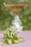 расположение кладет цветки в коробку конфеты Стоковое Изображение RF