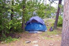 Располагаться лагерем в границе мочит зону каное Стоковая Фотография RF